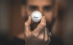 ゴルフボールの種類&特徴を解説|ロストボールは使っていいの?