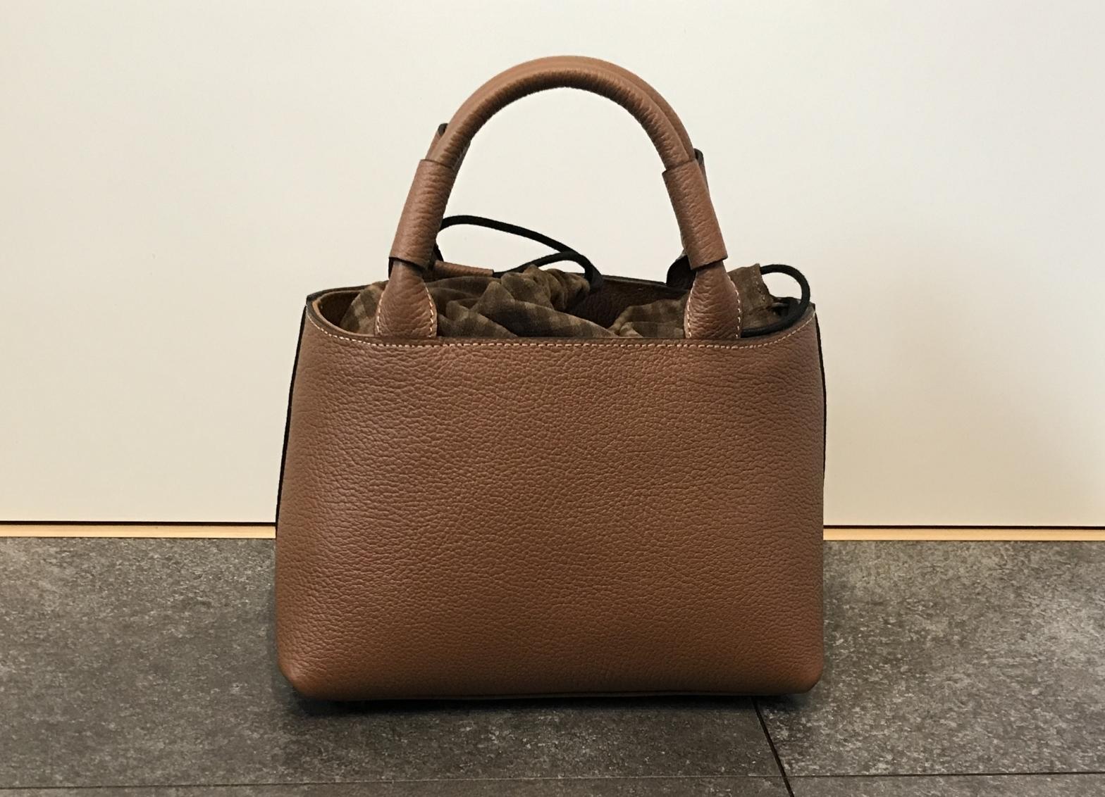 HAYNI(ヘイニ )モナウのレビュー|本革レディースハンドバッグ